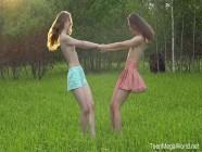 Beauty-Angels - Alice Kingsly & Flicka Luchik - Hot chicks lick clits in field